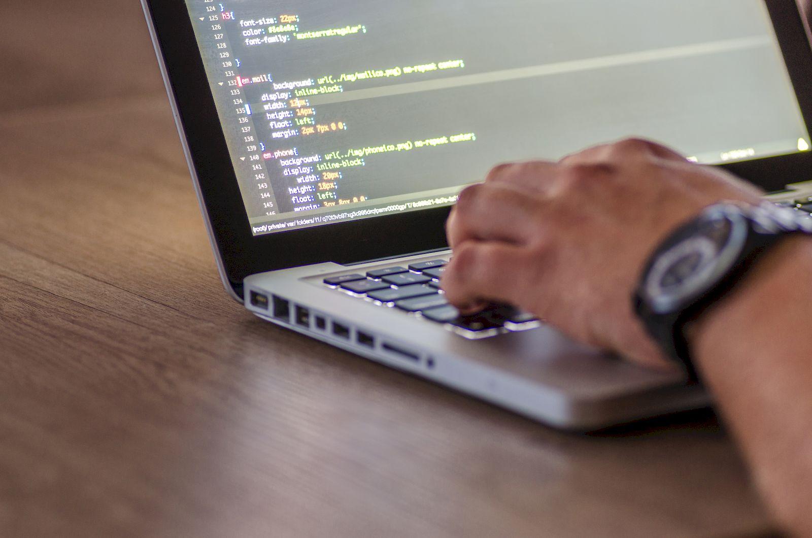 Laravel 5.6, corregir valor null cuando los campos de un formulario están vacíos